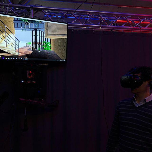Projecten visualiseren in virtual reality. Zo wordt presenteren wel heel makkelijk.. Bedankt voor jullie bijdrage VR world in Breda. Next level ervaring! #ecologischbouwen #vrworld #intothefuture