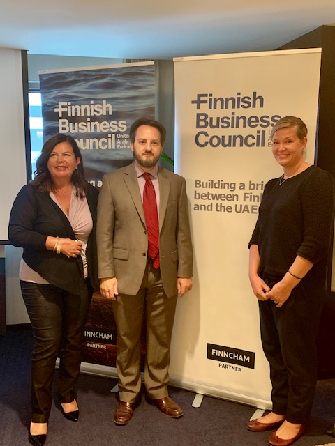 Robin Mills with Katja Boutou, Chairman and Jaana Räsänen-Pentti, Honorary Chairman (hosting Mills already for 3rd time for FBC!)