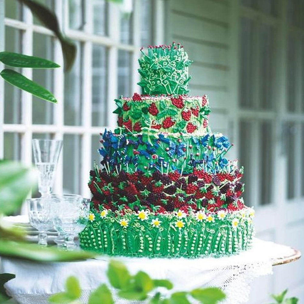 Garden-themed-wedding-cake-biscuiteers.jpg