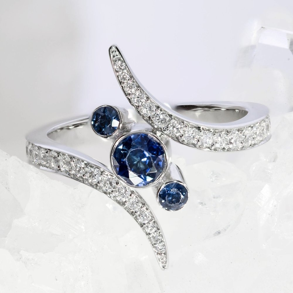 Blue-Sapphire-Engagement-Ring-Bespoke-Kate-Middleton-London-Queensmith-Master-Jewellers-Hatton-Garden