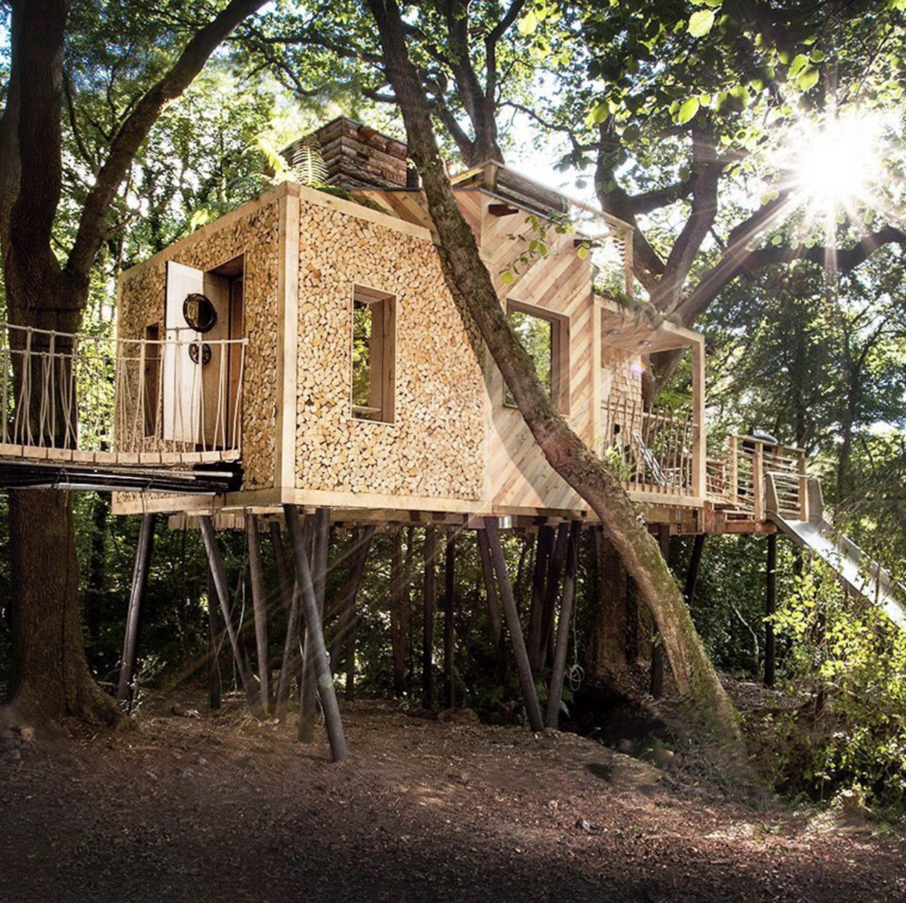 The impressive craftsmanship of Guy Mallinson to create the ultimate treehouse  @craftycamping