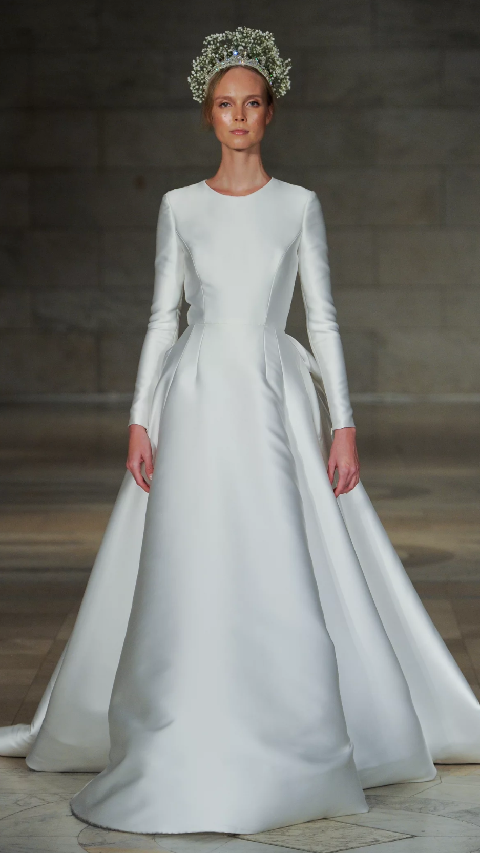 The simple 'Captivating' wedding dress, by Reem Acra.  Reem Acra/reemacra.com