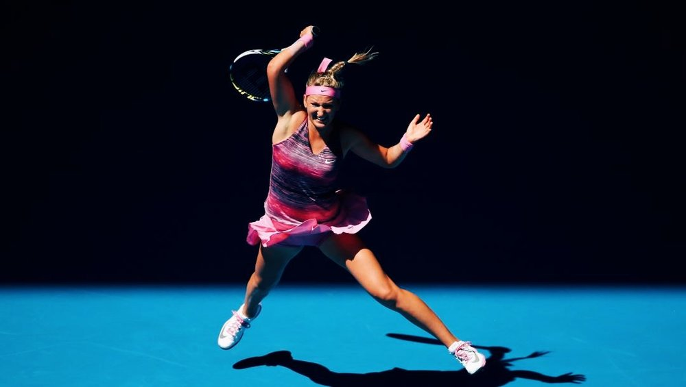 Azarenka-playing-tennis-womens-sport-SLOWE.jpg