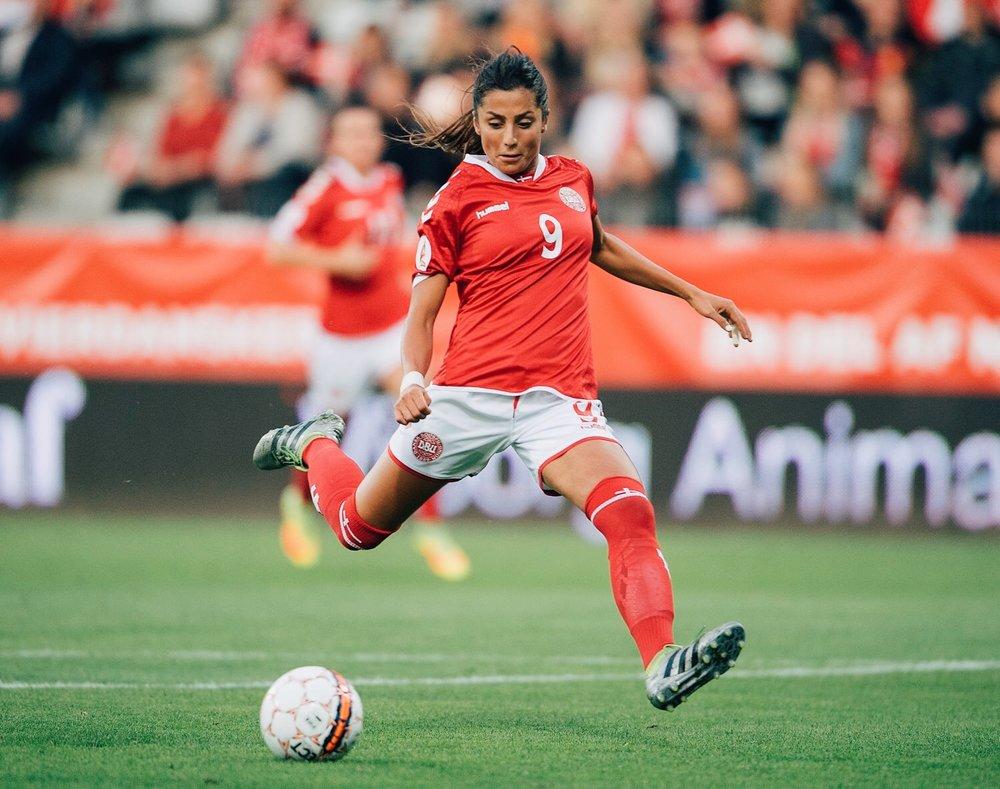 nadia-nadim-signs-man-city-womens-football.jpg