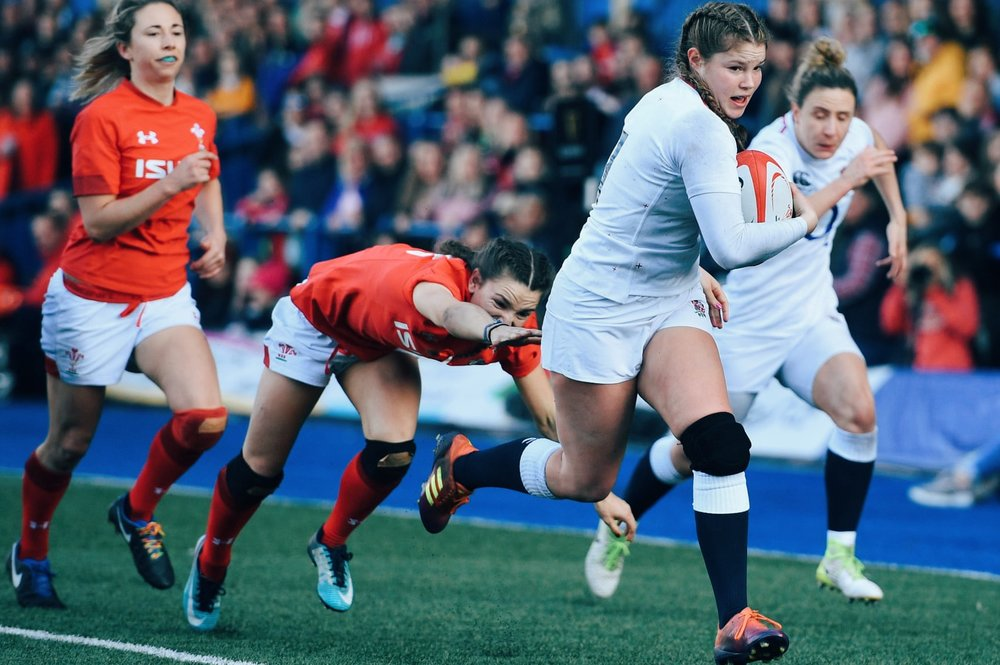England's Jess Breach scores the second try of the game. Img: Simon Galloway/PA