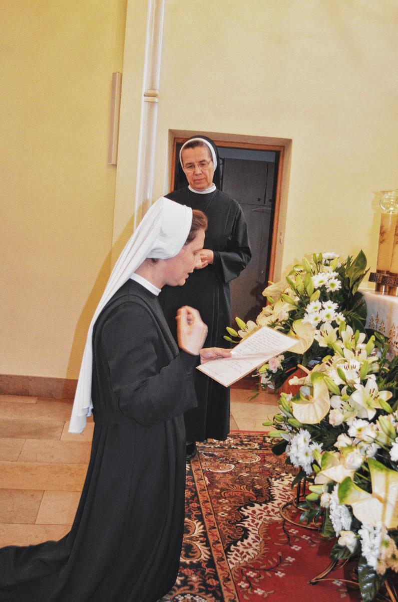 Sióstr_św_Elżbiety-Pierwsze_Śluby_fotorelacja-I-SLUBY-DSC_0562-min.jpg