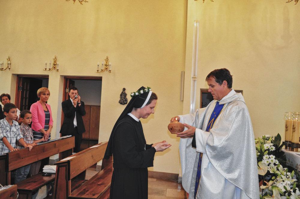 Sióstr_św_Elżbiety-Pierwsze_Śluby_fotorelacja-I-SLUBY-DSC_0582-min.jpg