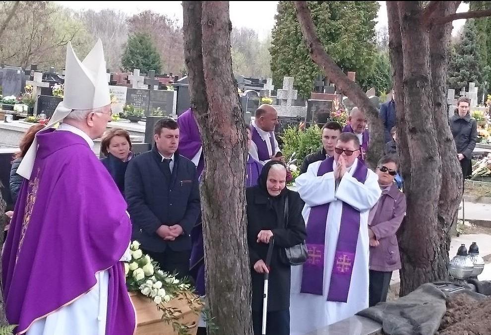 pogrzeb-s.Małgorzaty-32-Copy-e1460102379170.jpg