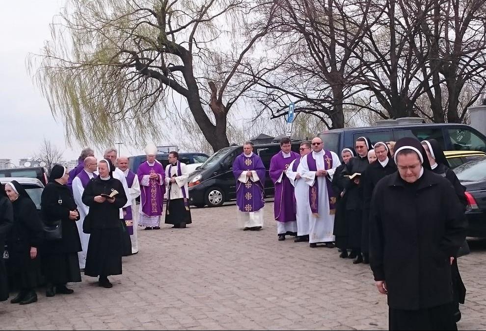 pogrzeb-s.Małgorzaty-26-Copy-e1460103922901.jpg