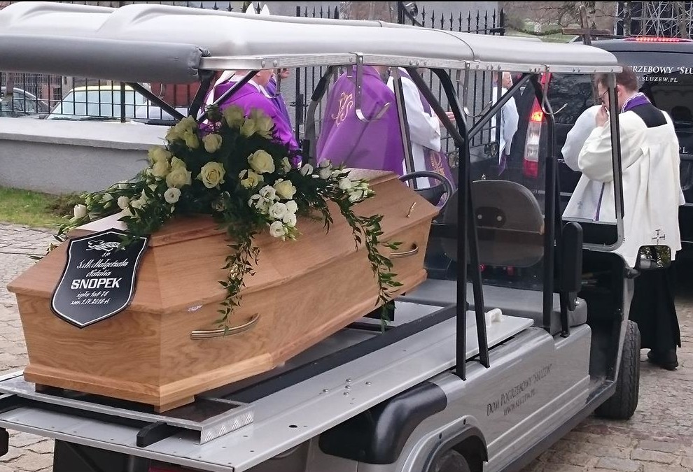 pogrzeb-s.Małgorzaty-24-Copy-e1460103998405.jpg