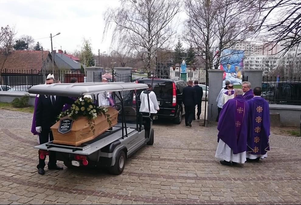 pogrzeb-s.Małgorzaty-23-Copy-e1460104078686.jpg