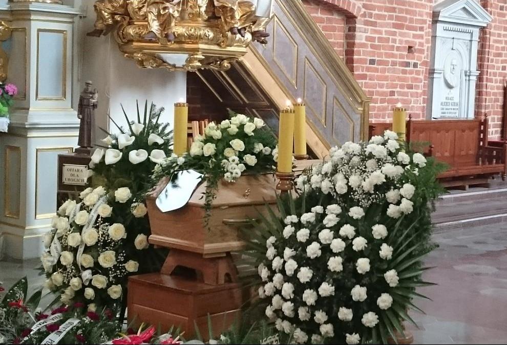 pogrzeb-s.Małgorzaty-1-Copy-e1460102122857.jpg