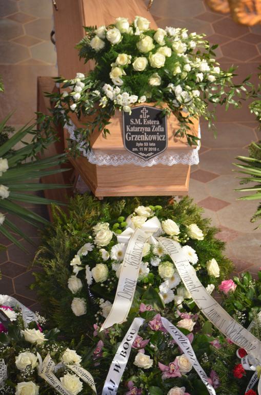 pogrzeb Estery (2) (Copy).JPG