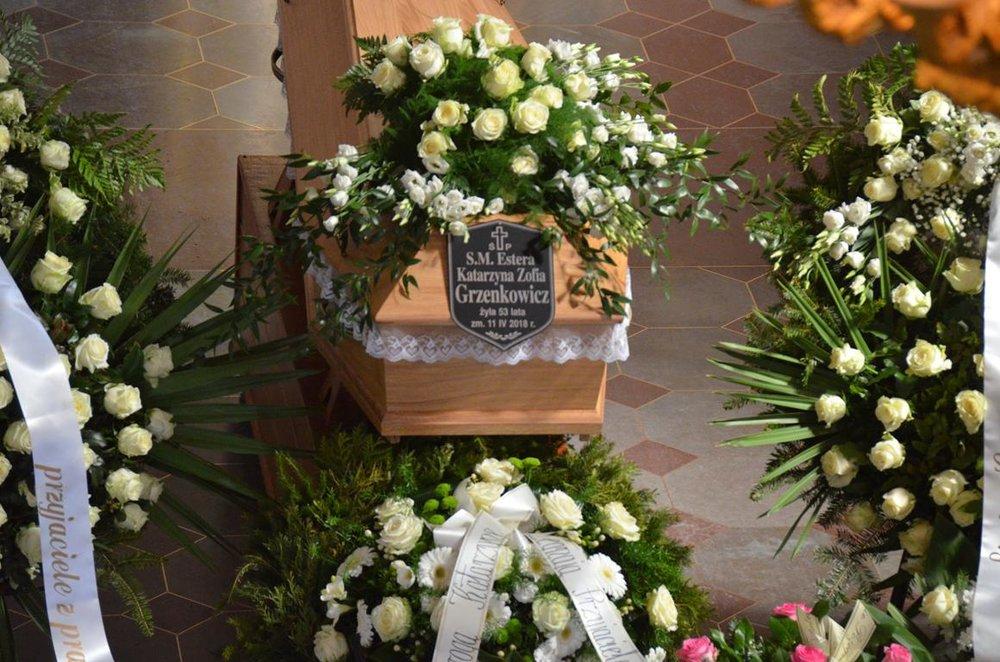 pogrzeb Estery (1) (Copy).JPG