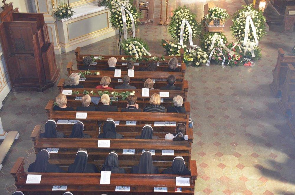 pogrzeb Estery (3) (Copy).JPG