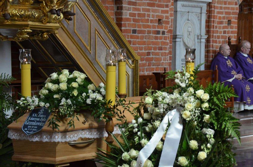 pogrzeb Estery (9) (Copy).JPG
