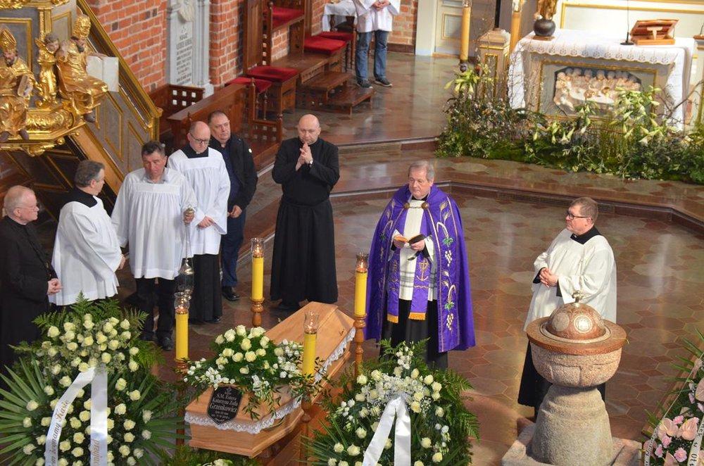 pogrzeb Estery (20) (Copy).JPG