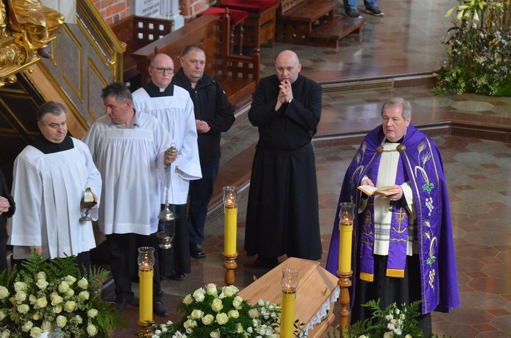 pogrzeb Estery (23) (Copy).JPG
