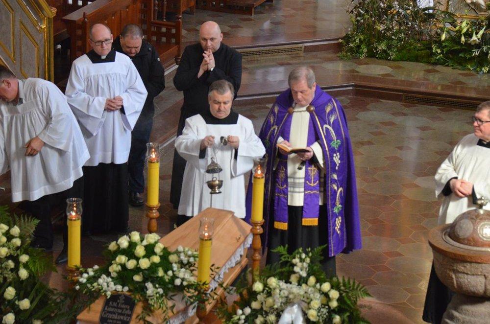 pogrzeb Estery (25) (Copy).JPG