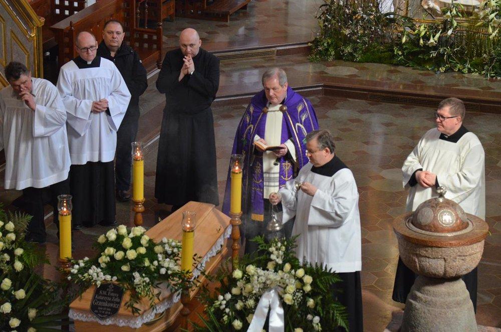 pogrzeb Estery (26) (Copy).JPG