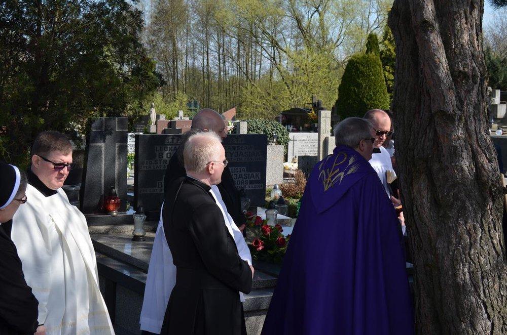 pogrzeb Estery (35) (Copy).JPG