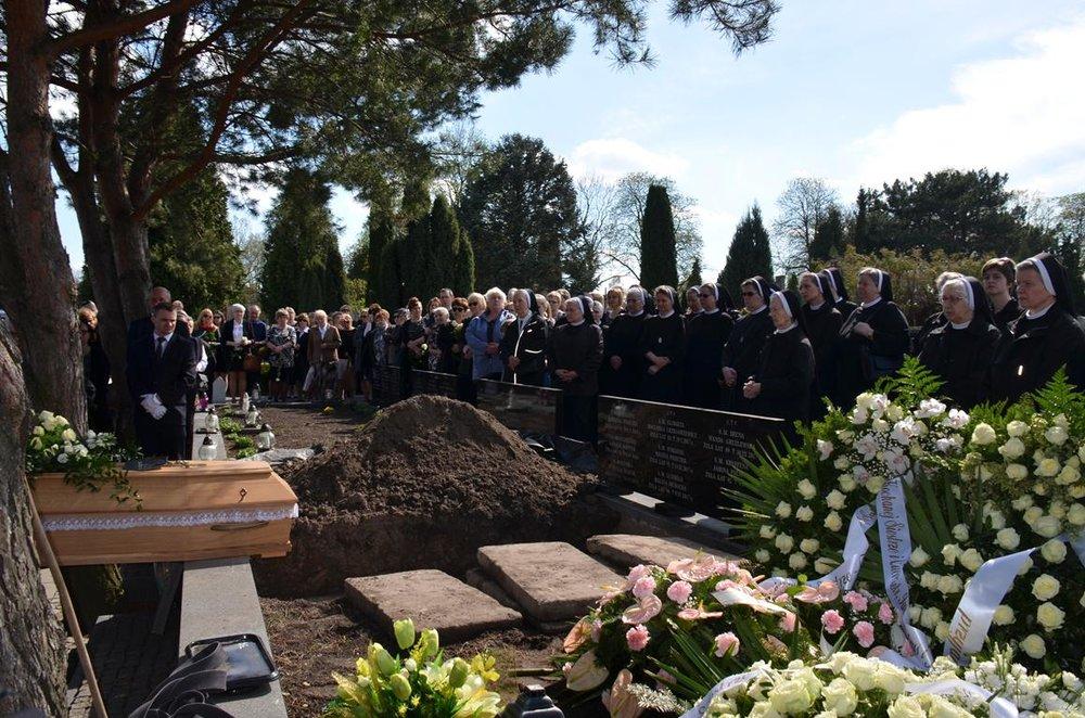 pogrzeb Estery (37) (Copy).JPG