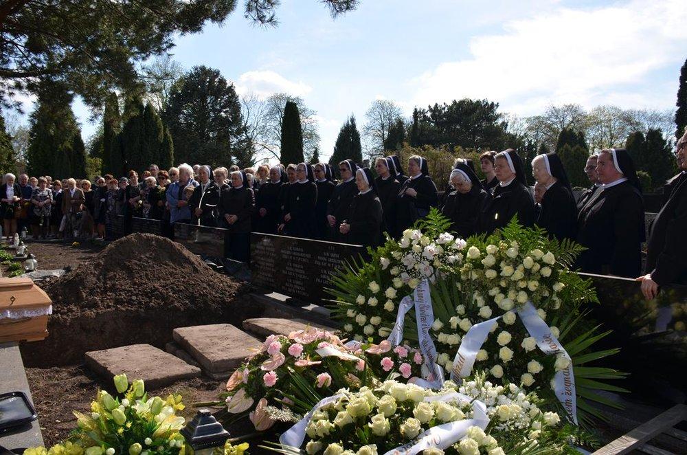 pogrzeb Estery (38) (Copy).JPG