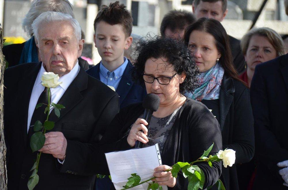 pogrzeb Estery (43) (Copy).JPG