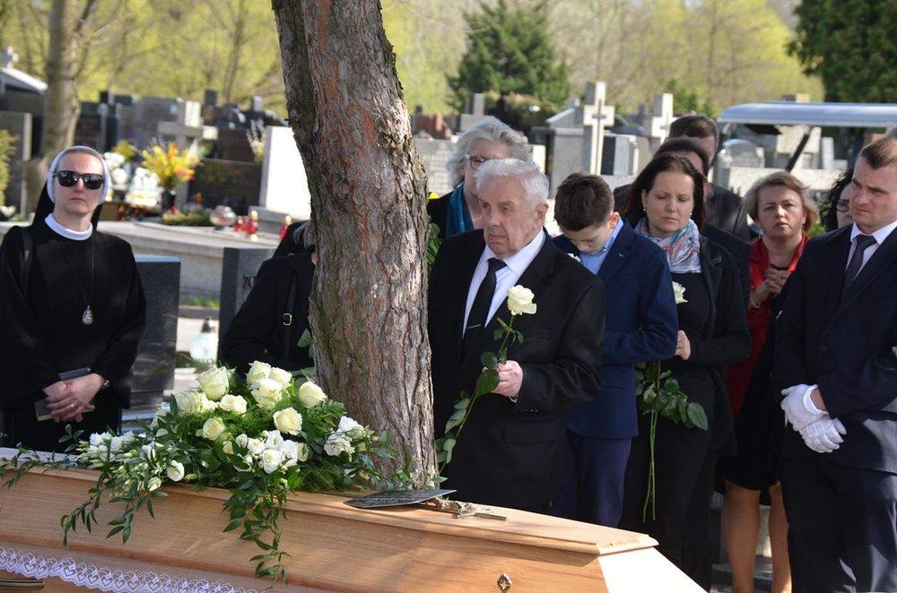 pogrzeb Estery (42) (Copy).JPG