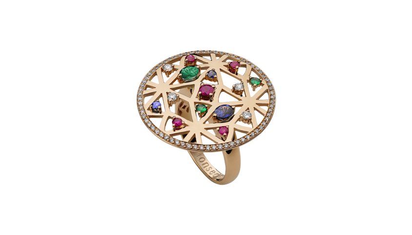 AN2329- Portuguese Story Cocktail Ring 19,2 Kt. pink gold ring with 72 brilliant cut diamonds with 0,42 ct. 1 emerald with 0,16 ct. 5 rubies with 0,73 ct. 3 sapphires with 0,55 ct. and 2 tsavorites with 0,08 ct. PVP 3,480 €