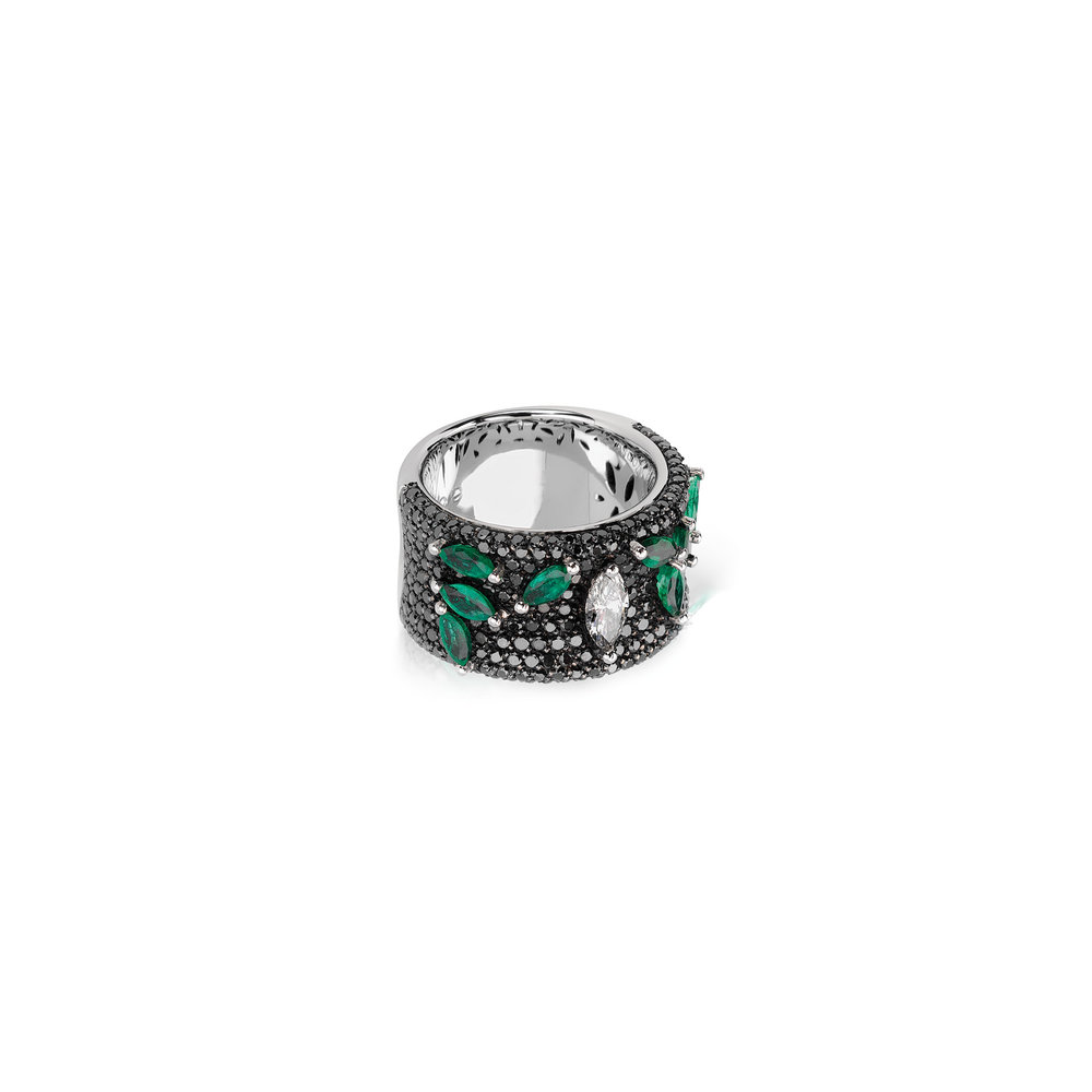 AN1981D - Eternal Emerald Ring 19,2 Kt. white gold ring with 244 black brilliant cut diamonds with 2,05 ct. 1 navette cut diamond with 0,40 ct. and 8 navette cut emeralds with 1,20 ct. PVP 9,200 €