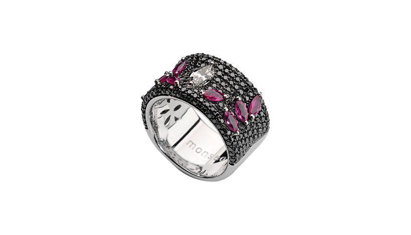 AN1981A - Eternal Rubi Ring 19,2 Kt. white gold ring with 244 black brilliant cut diamonds with 2,05 ct. 1 navette cut diamonds with 0,40 ct. and 8 rubies with 1,20 ct. PVP 9,200 €
