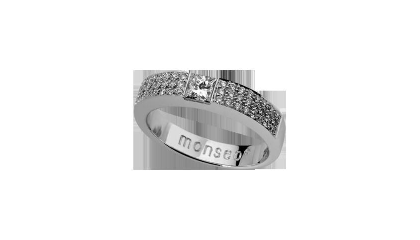 AN1058G -    SOLITAIRE CARRÉ Moments Collection   Anel em ouro branco 19,2 kt. com 54 diamantes lapidação brilhante com 0,27 ct. e 1 diamante lapidação princesa com 0,31 ct.  PVP 3,660 €