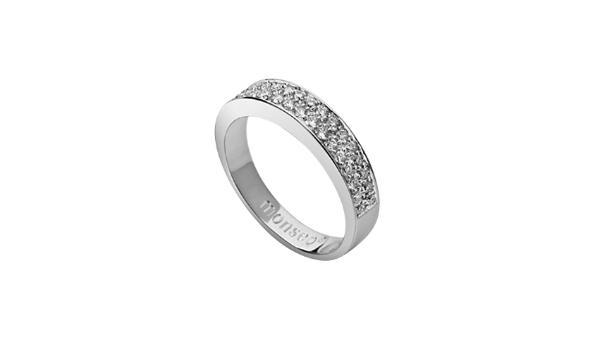 AN1287 -   Anel    Q UADRATU 002     Moments Collection   Anel em ouro branco 19,2 kt. com 34 diamantes lapidação brilhante com 0,38 ct.   PVP 1,800€ - existe em stock