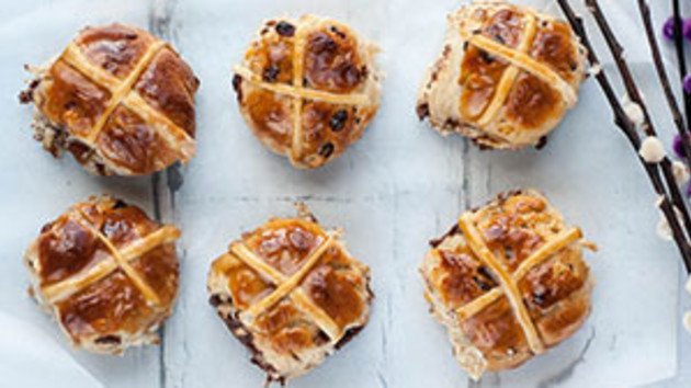 When hot cross buns were eaten on  Good Friday