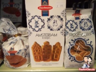 Dutch spekulaas and stropwafels