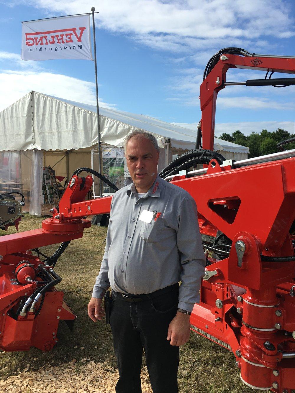 Thomas Windheim   Vertrieb Gewässerunterhaltung  E-Mail: t.windheim@vehling-motorgeraete.de  Mobil: 0172/ 5173335