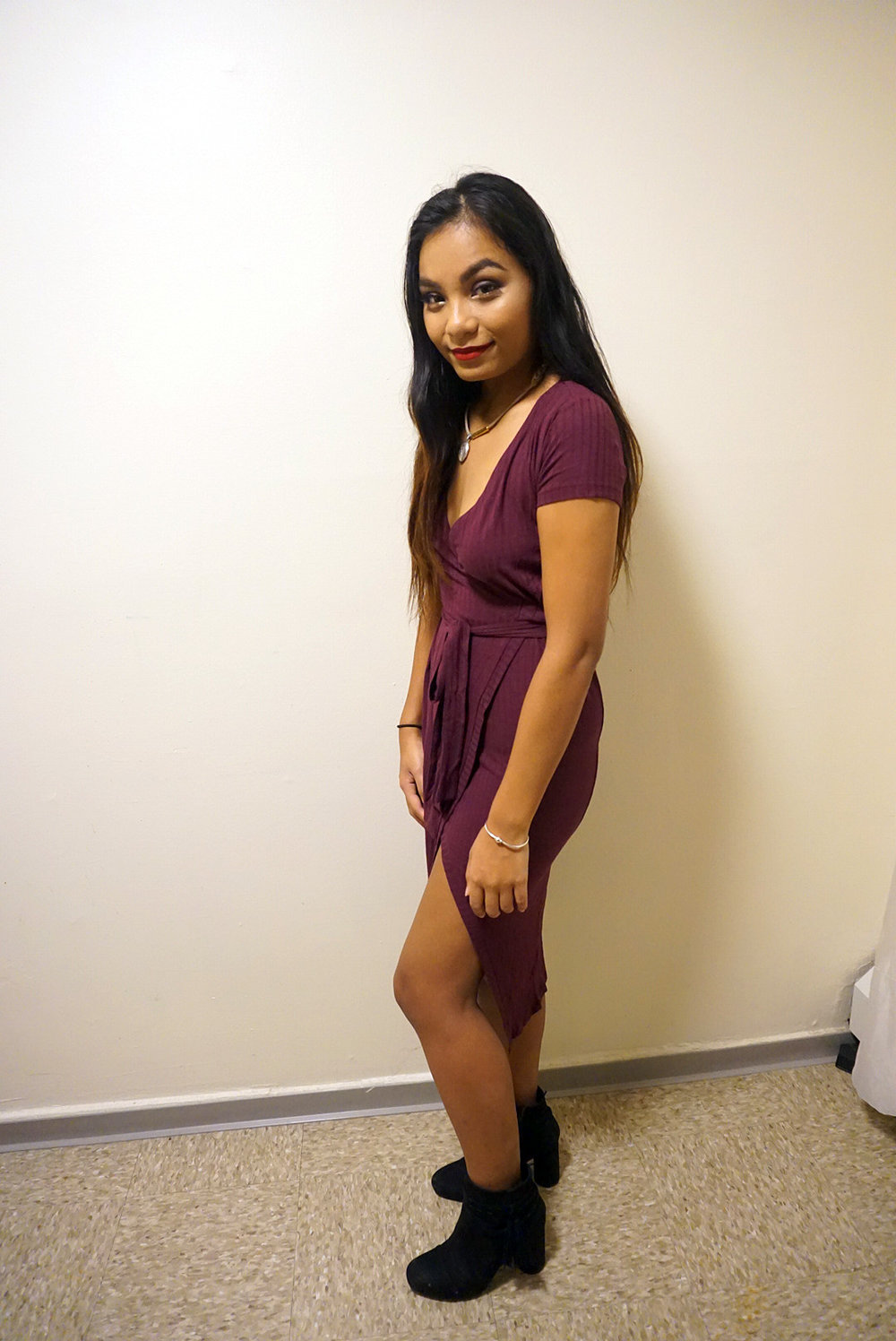 Classy-Low-Cut-Slit-Dress-Blogger-Style-LINDETENCHITRAN-1-1080x1616.jpg