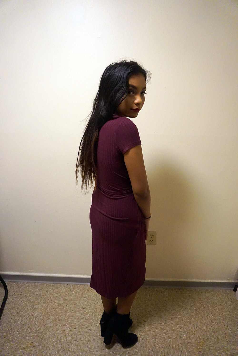 Classy-Low-Cut-Slit-Dress-Blogger-Style-LINDETENCHITRAN-2-1080x1616 .jpg