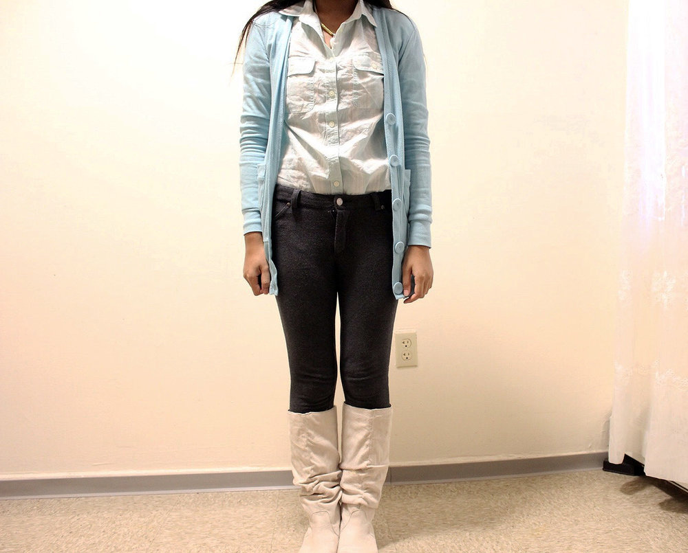 Pastel-Light-Colors-In-Winter-Blue-Cardigan-Blue-Button-Up-Gray-Pants-Blogger-Style-LINDATENCHITRAN-1-1342x1080.jpg