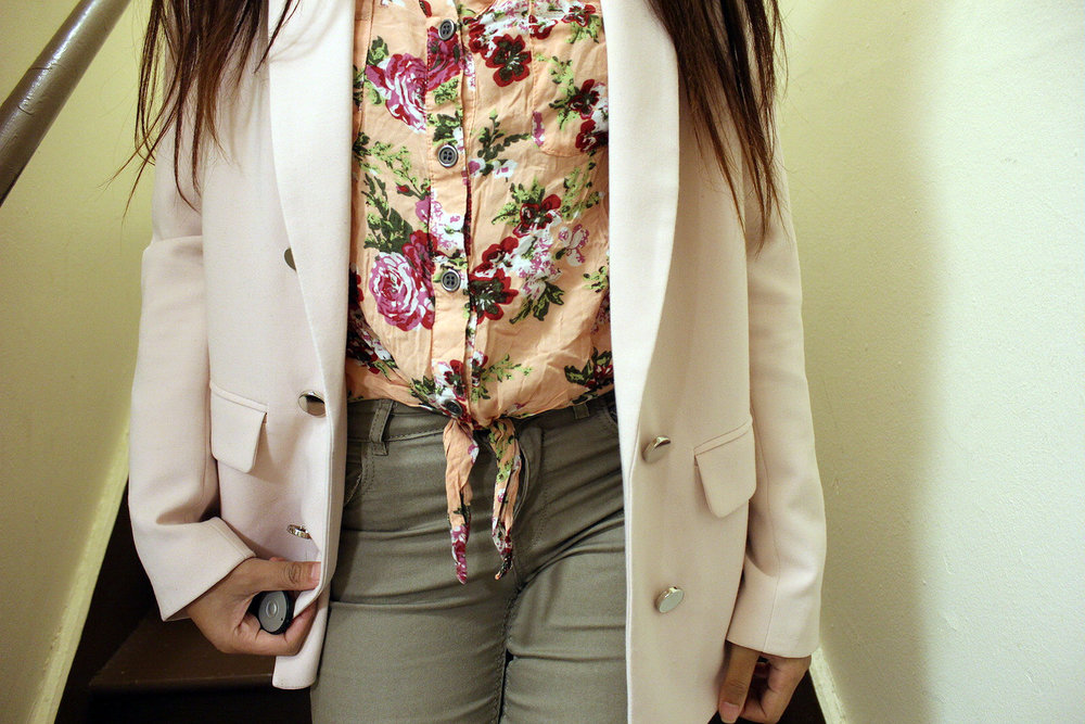 Double-Pink-Blazer-Floral-Button-Up-Tan-Pants-Blogger-Style-Office-Wear-LINDATENCHITRAN-1-1620x1080.jpg