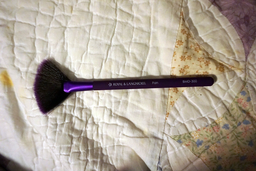 Ipsy-February-Review-Royal-Langnickel-Moda-Fan-Brush-LINDATENCHITRAN-1-1616x1080 .jpg