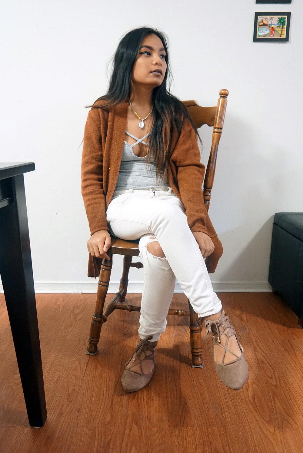 Caramel-Cardigan-Camel-Cardigan-Bodysuit-Boyfriend-Jeans-Ripped-Jeans-Blogger-Style-Casual-Look-LINDATENCHITRAN-2-1080x1616.jpg
