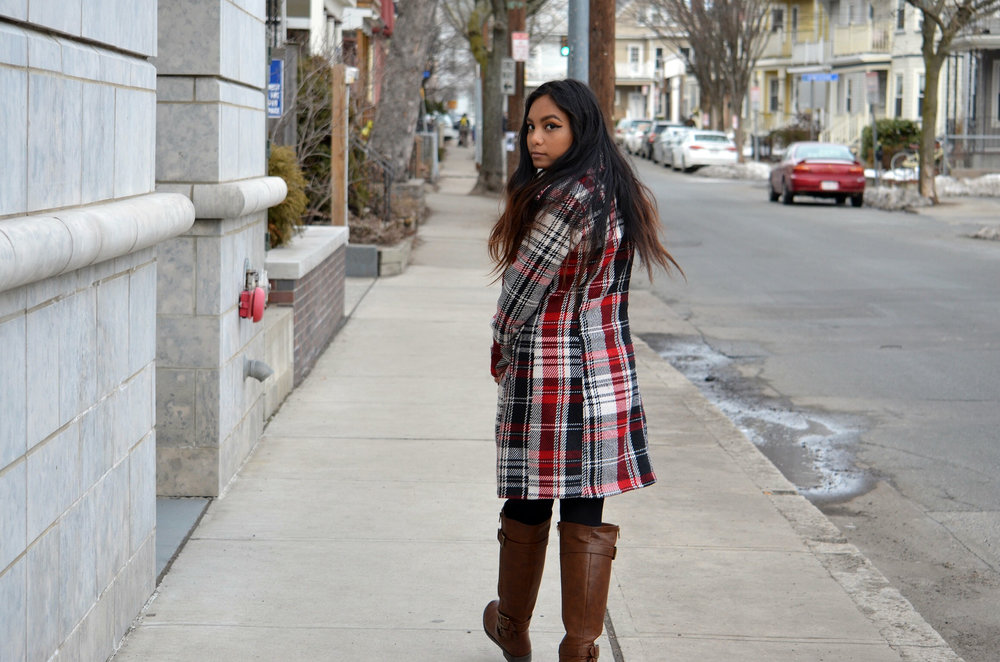 White-Sweater-Dress-Plaid-Coat-Blogger-Style-Fashion-Blogger-LINDATENCHITRAN-10-1616x1080.jpg