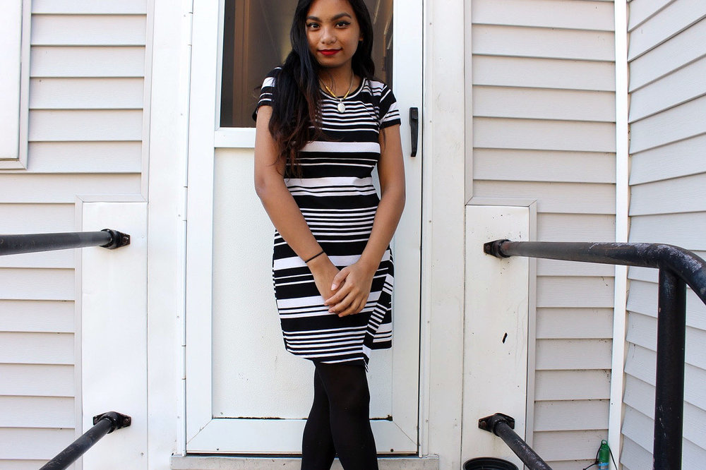 Little-Striped-Dress-Loft-Dress-Black-White-Fashionista-Blogger-Style-LINDATENCHITRAN-1-1519X1012.jpg