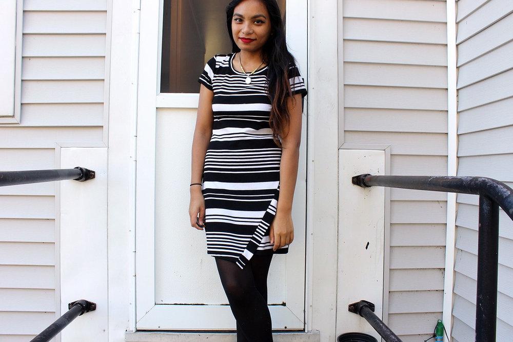 Little-Striped-Dress-Loft-Dress-Black-White-Fashionista-Blogger-Style-LINDATENCHITRAN-2-1519X1012.jpg