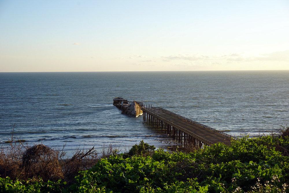 Seacliff-State-Beach-Santa-Cruz-California-Travelbug-Traveler-Blogger-Style-LINDATENCHITRAN-1-1616x1080.jpg