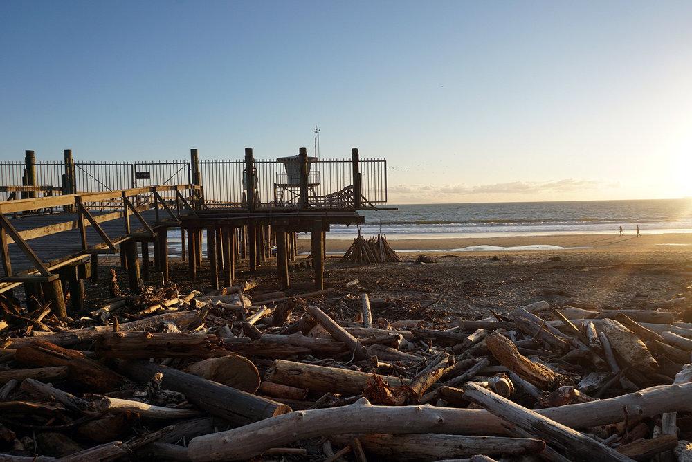 Seacliff-State-Beach-Santa-Cruz-California-Travelbug-Traveler-Blogger-Style-LINDATENCHITRAN-6-1616x1080.jpg