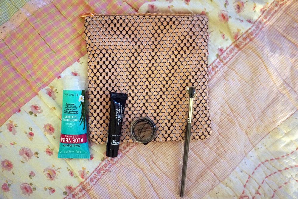 Ipsy-March-2017-Review-Makeup-Reviews-Hair-Skin-Care-LINDATENCHITRAN-4-1616x1080.jpg