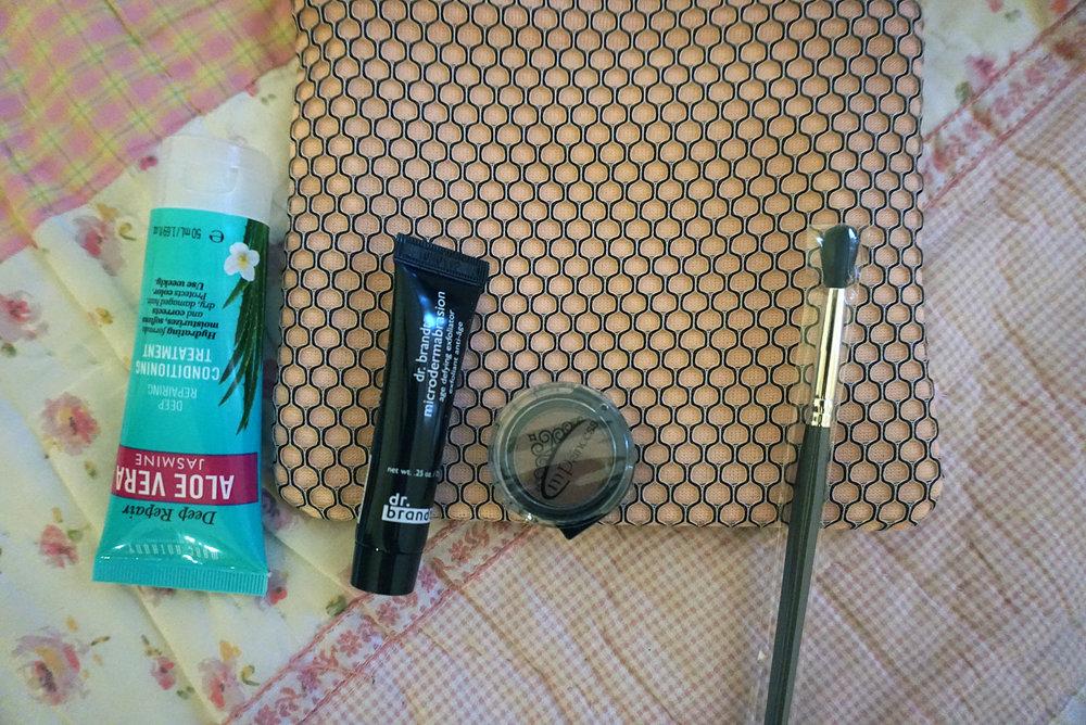 Ipsy-March-2017-Review-Makeup-Reviews-Hair-Skin-Care-LINDATENCHITRAN-8-1616x1080.jpg